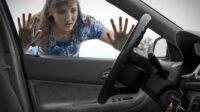 Cara Membuka Pintu Mobil yang Terbuka